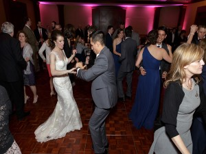 Y-it Entertainment Wedding Mobile DJ, Photo Booth and Lighting Services in Ventura County