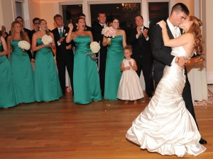 Wedding First Dance at Breaux Vineyards with Y-it Entertainment