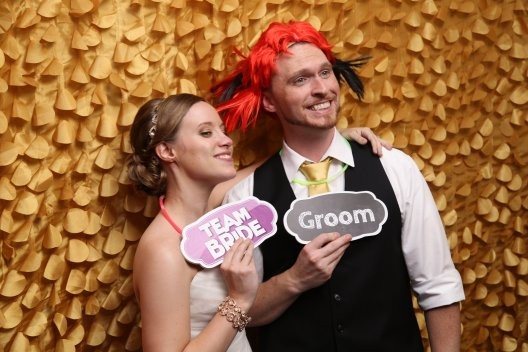 Lauren and Tim in their wedding Photo Booth. www.yitentertainment.com