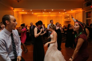 Lauren and Tim's Dance time at their wedding reception. www.yitentertainment.com