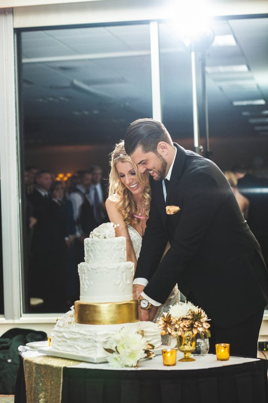 Katie and Justin Wedding Cake cutting 2017