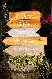 Wedding Directional Signs www.Yitentertainment.com Mobile DJ, Photo Booth, Lighting serving Oxnard and Surrounding areas