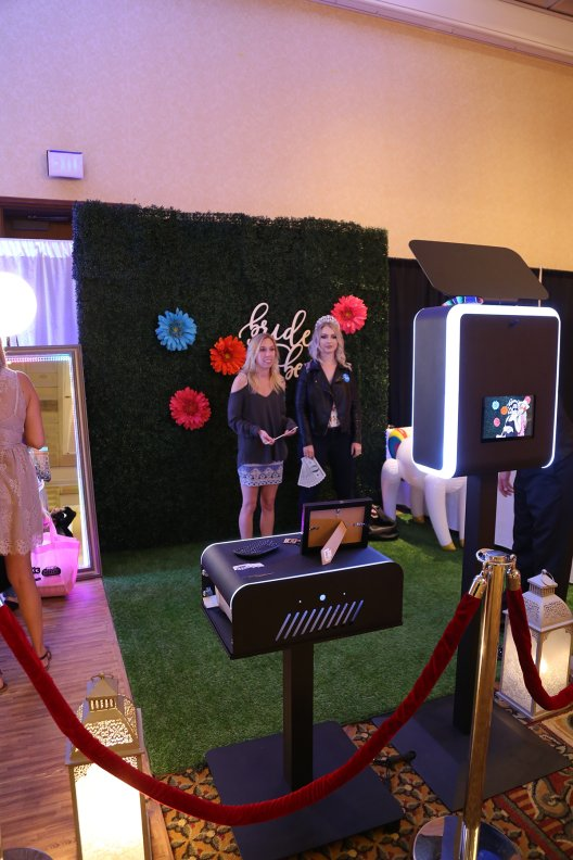 Y-it Entertainment Boxwood Hedge Photo Booth Backdrop www.Yitentertainment.com Mobile DJ, Photo Booth, Lighting Oxnard, Ventura County, Santa Barbara County
