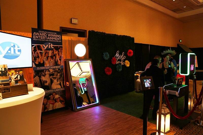 Y-it Entertainment Fall Bridal Show 2017 www.YitEntertainment.com Mobile DJ, Photo Booth, Lighting