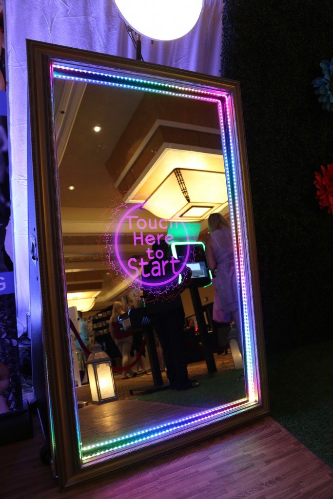 Y-it Entertainment Mirror Booth www.Yitentertainment.com Mobile DJ, Photo Booth, Lighting in Oxnard, Ventura County, Santa Barbara County.