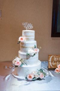 Saticoy Country club wedding cake Taylor and Brian 2018