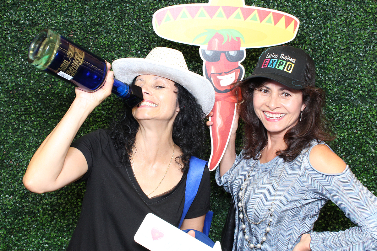 Latino Business Expo with Y-it Entertainment Photo Booth may 2018 4 www.YitEntertainment.com